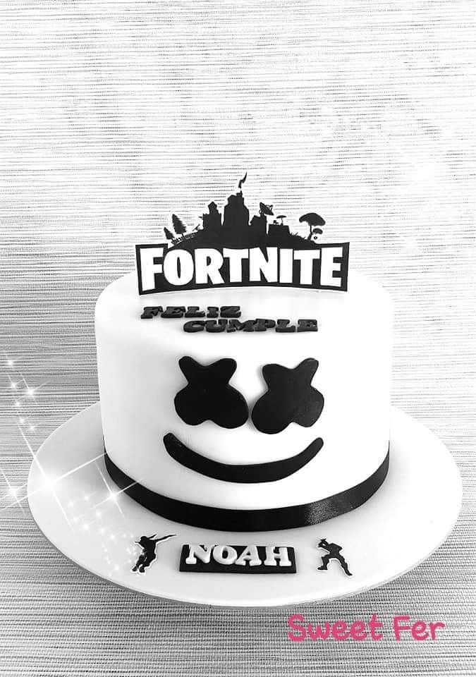 minecraft cake large minecraft enderman printable cut out character 1 minecraft cake