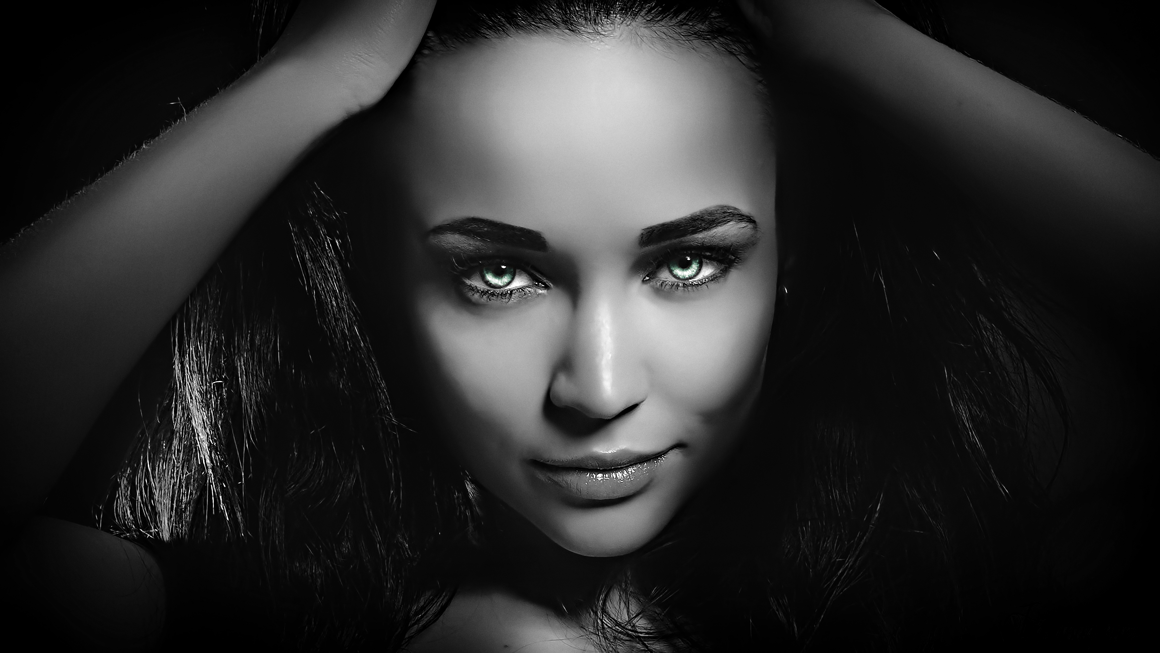 coloring face in photoshop women face model green eyes hands on head angelina in photoshop face coloring