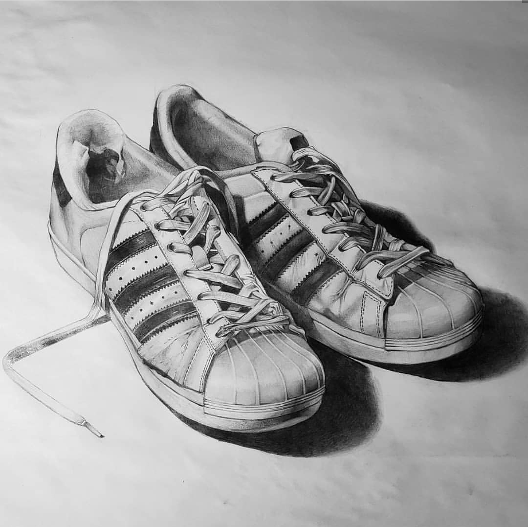 shoes drawing nike shoe drawing at paintingvalleycom explore drawing shoes